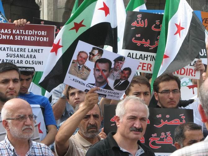 Halep Direnişine Beyazıt'ta Destek Eylemi 4