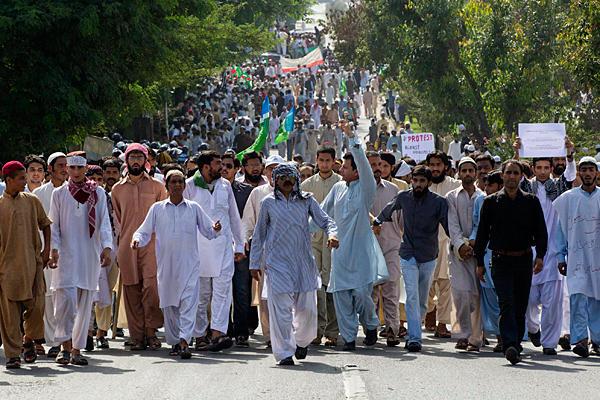 Pakistanda Film Protestosunda Kan Aktı 1