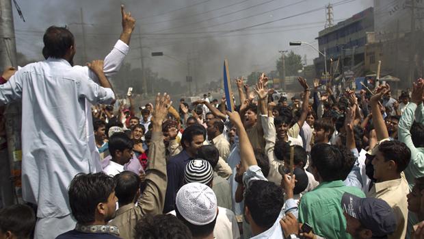 Pakistanda Film Protestosunda Kan Aktı 2