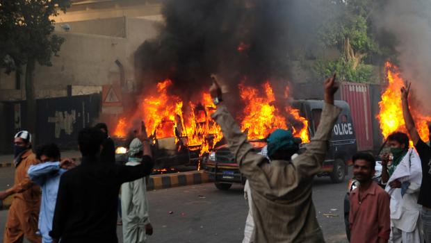 Pakistanda Film Protestosunda Kan Aktı 4