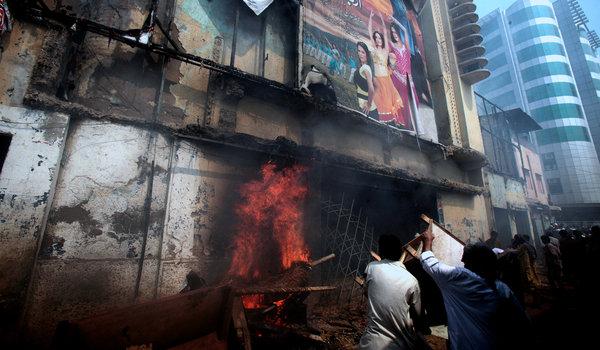 Pakistanda Film Protestosunda Kan Aktı 5