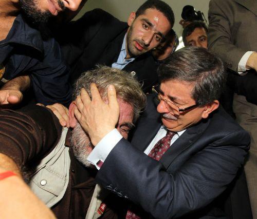Ahmet Davutoğlu, Gazzede Gözyaşlarını Tutamadı! 3
