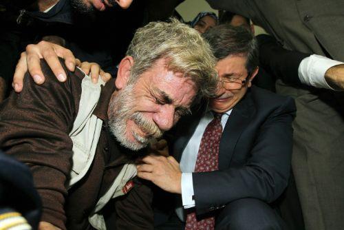 Ahmet Davutoğlu, Gazzede Gözyaşlarını Tutamadı! 4