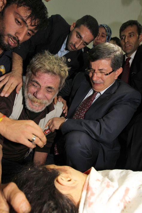 Ahmet Davutoğlu, Gazzede Gözyaşlarını Tutamadı! 5