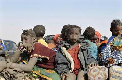 Moritanyaya Çölde Aç ve Susuz Yolculuk 6