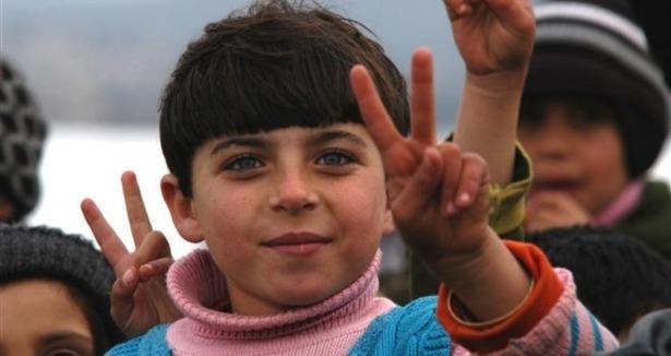 Sınırda Bekleyen 10 Bin Masum Çocuk 1