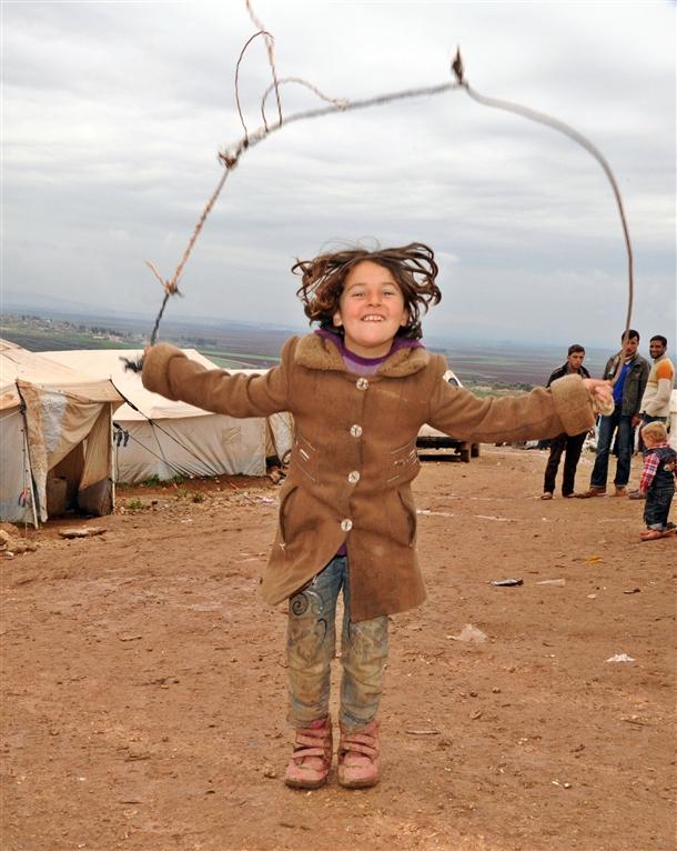 Sınırda Bekleyen 10 Bin Masum Çocuk 8