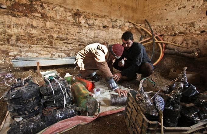 Suriyeli Direnişçilerin Ağır Silah Sanayisi 16