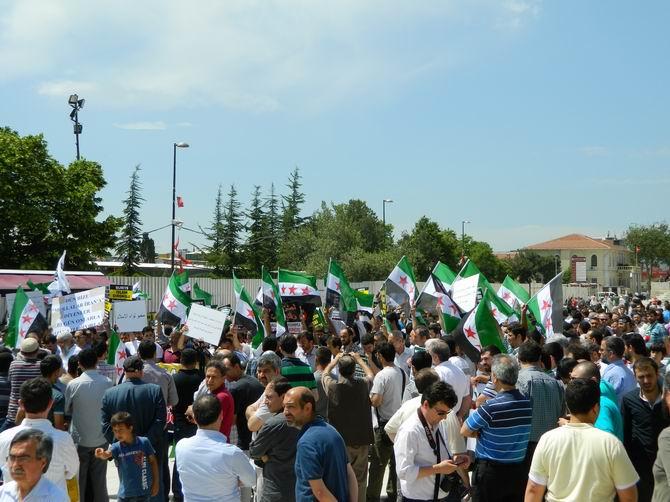 "Fatih Camii'nde Protesto:  ""Katil İran, Katil Hizbullah"" 12"