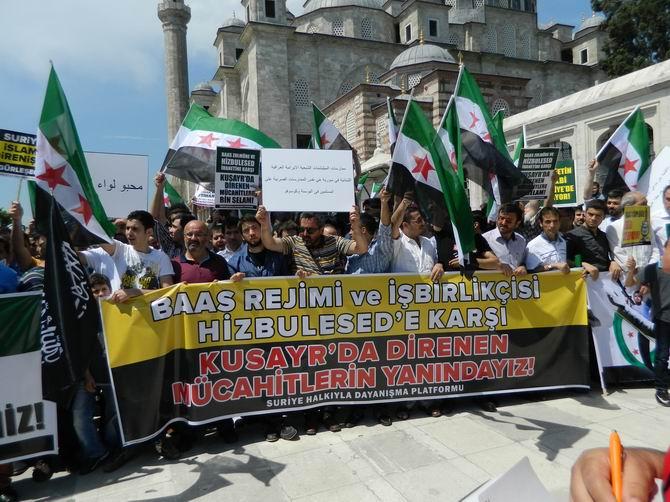 "Fatih Camii'nde Protesto:  ""Katil İran, Katil Hizbullah"" 14"
