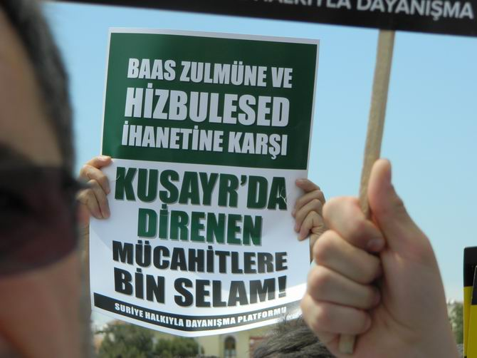 "Fatih Camii'nde Protesto:  ""Katil İran, Katil Hizbullah"" 20"