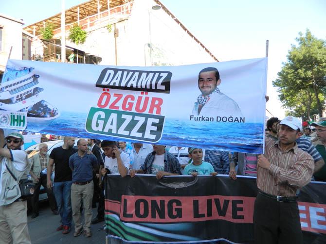 On Binler Fatih'te Kudüs ve Mavi Marmara İçin Yürüyor 12