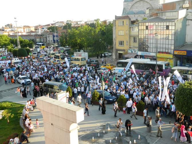 On Binler Fatih'te Kudüs ve Mavi Marmara İçin Yürüyor 18