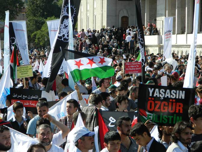 On Binler Fatih'te Kudüs ve Mavi Marmara İçin Yürüyor 2