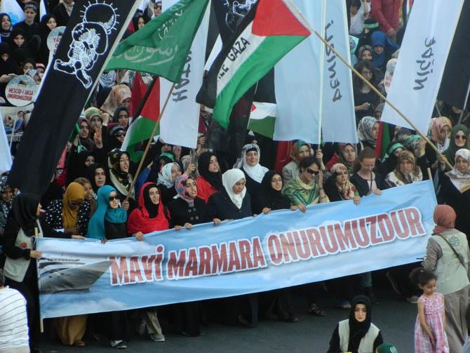 On Binler Fatih'te Kudüs ve Mavi Marmara İçin Yürüyor 26