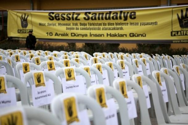 """Rabia Platformu'ndan """"Sessiz Sandalye"""" Eylemi 1"""