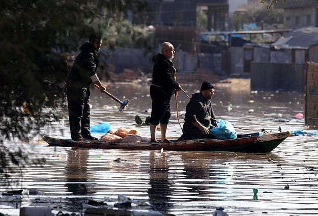 Abluka Altındaki Gazze'de Sel ve İsmail Heniye galerisi resim 1