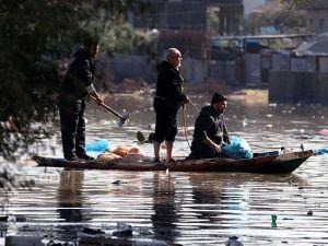 Abluka Altındaki Gazze'de Sel ve İsmail Heniye