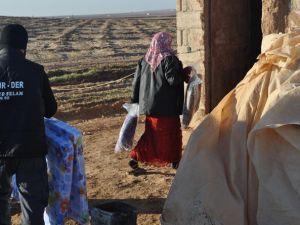 Özgür-Der'den Suriye'ye İki Tır Yardım
