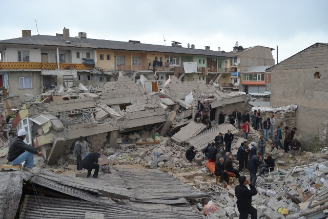 Yaşar Yüzerin Objettifinden Deprem 15