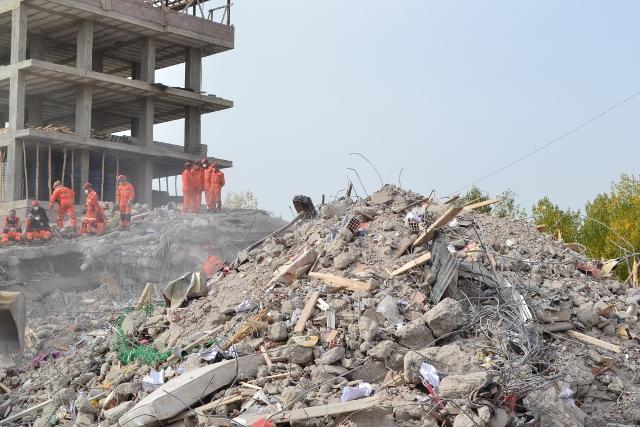 Yaşar Yüzerin Objettifinden Deprem 5