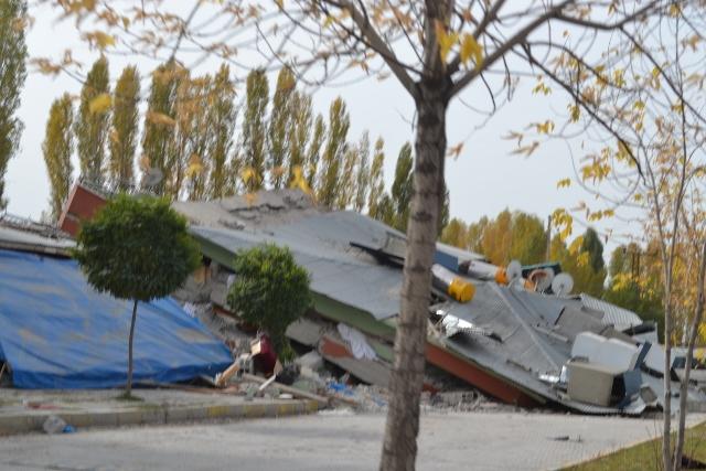Yaşar Yüzerin Objettifinden Deprem 6