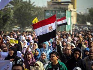 """Mısır'da """"Rabia Devrimin Sembolü"""" gösterileri"""