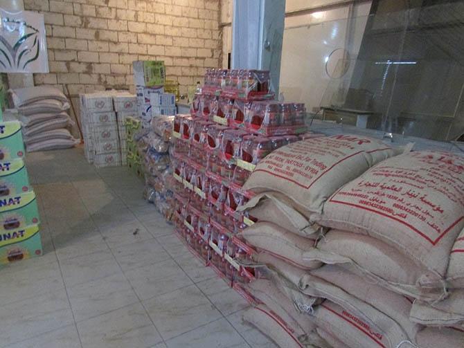 Özgür-Der'den  Deyr-ez Zor'da Gıda dağıtımı 1