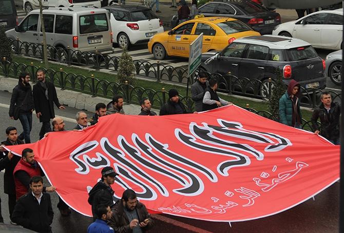 İstanbul'da Suriye İntifadasını Selamlama Yürüyüşü galerisi resim 18