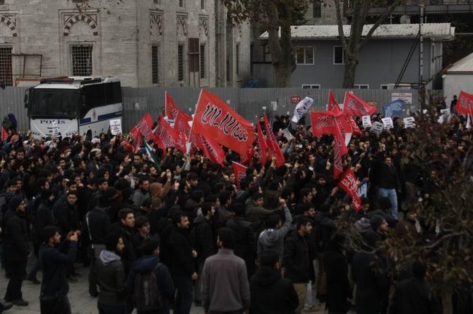 Sol Saldırganlık Beyazıt Meydanı'nda Protesto Edildi! 1