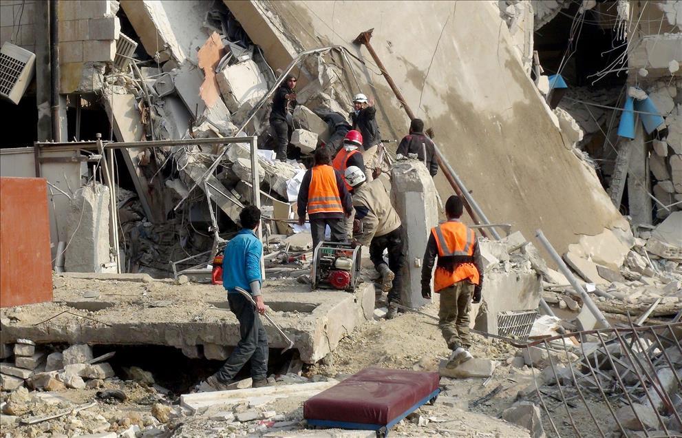 Rus Jetleri İdlib'de Mahkemeyi Vurdu: 40 Ölü 1