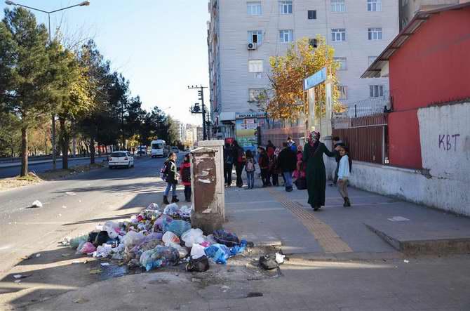 HDP Belediyeler Halkı Mağdur Ediyor 1
