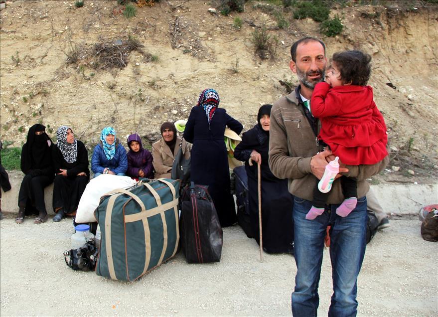 Türkmen Bölgesinden Zorunlu Göç Sürüyor galerisi resim 1