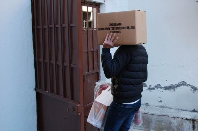 İslami STK'ların Sur Mağdurlarına Yardımları Sürüyor galerisi resim 1