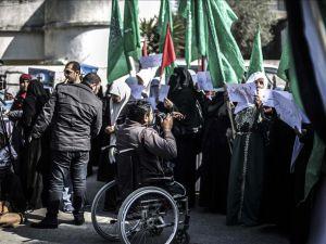 İsrail'in 'Engelli Bıraktığı' Filistinli Gazetecinin Azmi