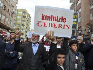 Özgür Gündem'e Diyarbakır'da Lanet Yağdı