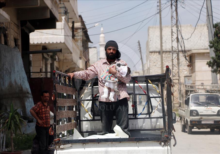 Esed Halep'te Pazar Yerine Saldırdı 1