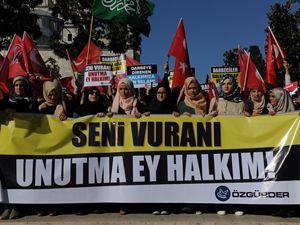 Darbe Kalkışması İstanbul'da Protesto Edildi