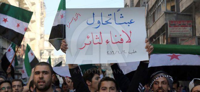 Halepliler Esed ve Rusya'yı Protesto Etti
