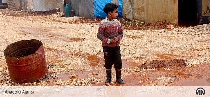 Suriye'deki Çadır Kentlerde Kış Zor Geçiyor!