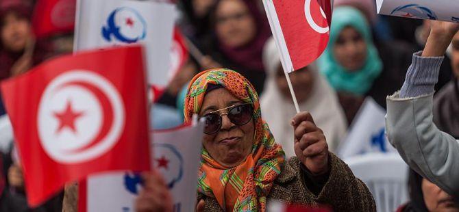 Tunus'ta Devrimin 6. Yılı Yürüyüşü