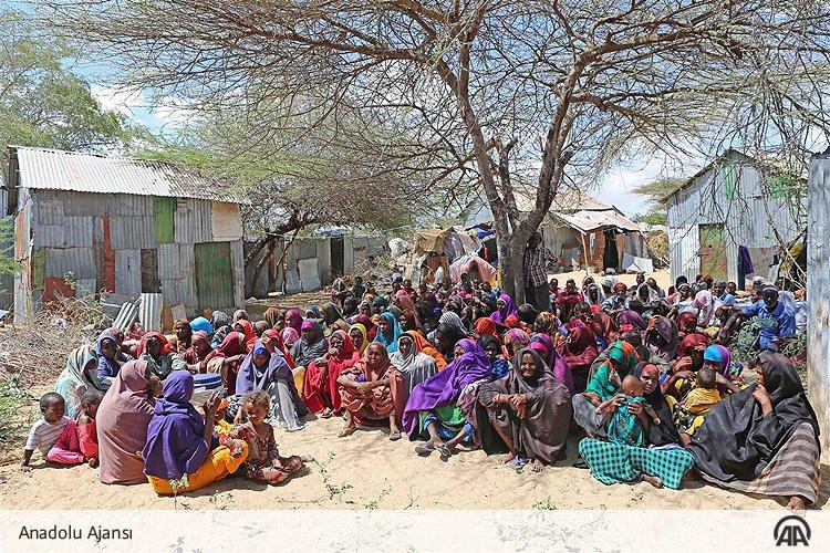 Somali'de Aşırı Kuraklık Hayatı Tehdit Ediyor! galerisi resim 1