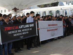 Kimyasal Katliamda Öldürülenler Fatih'te Gıyabi Cenaze Namazı Kılındı