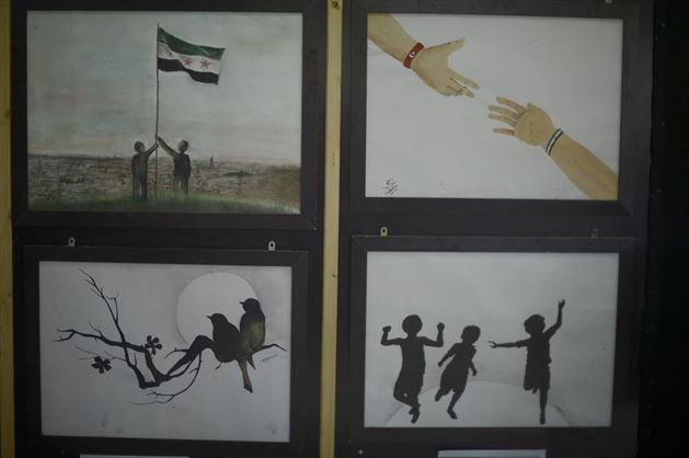 Suriyelilerin Acılarını Resme Döktü 1
