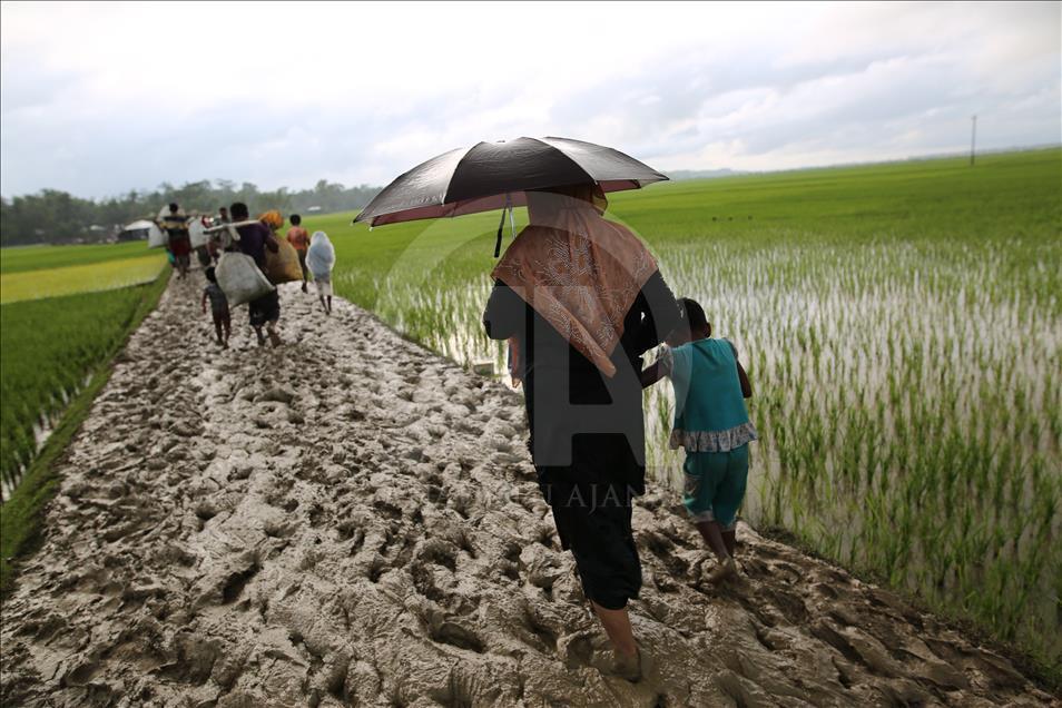 Bangladeş'e Kaçan Arakanlı Müslümanlar 1