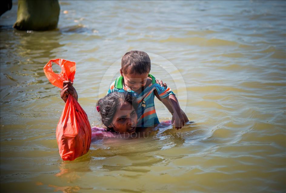 Arakanlı Müslümanların Bangladeş'e Geçişleri Devam Ediyor 1