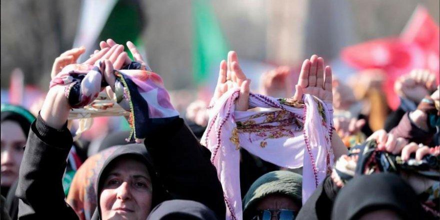 'Suriyeli Kız Kardeşlerimizi Serbest Bırakın!'