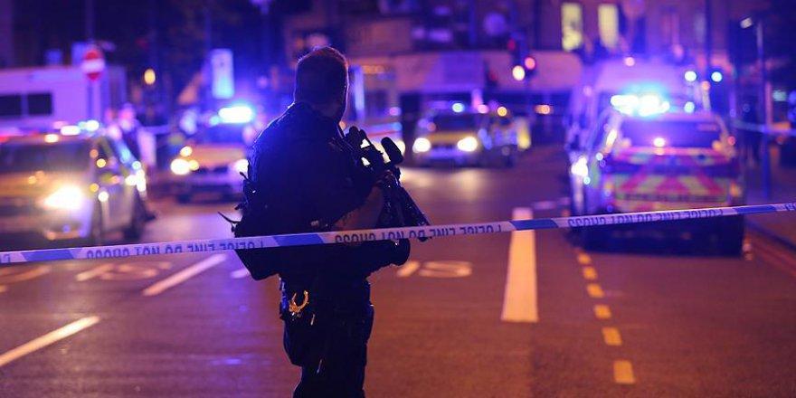 Londra'da Irkçı Eylem: Bir Araç Müslümanların Üzerine Sürüldü