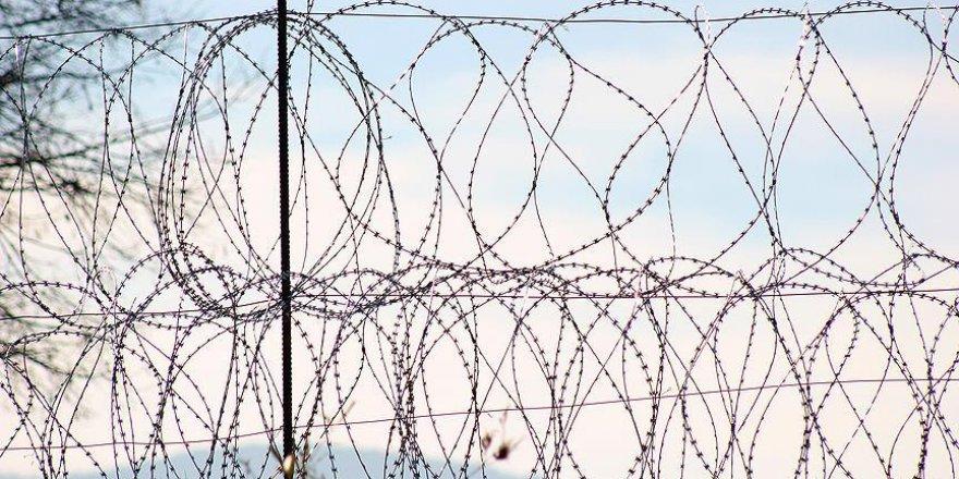 Pakistan, Afganistan Sınırına Tel Örgü Çekmeye Başladı