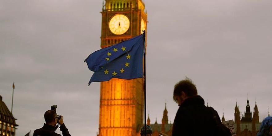 İngiltereliler Fransa Vatandaşı Olmak İstiyor